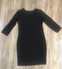 Mala crna haljina, XL