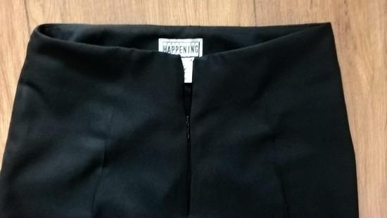 HAPPENING crne poslovne pantalone na faltu 36