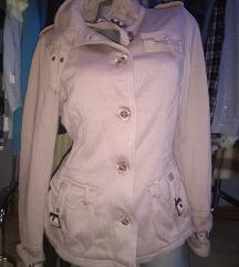 Duks jakna postavljena