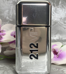 212 VIP Men Carolina Herrera parfem