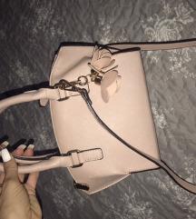 Roze torba sa priveskom orsay snizena!!!!