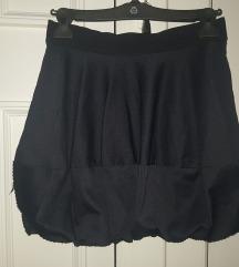 Crna pufnasta suknja