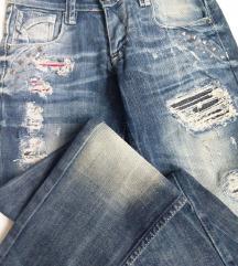 Bennelli jeans size 26 Novo