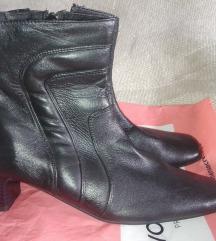 Crne retro kožne čizmice
