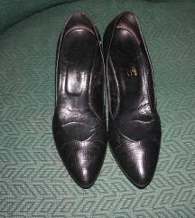 Elegantne kožne crne sa malom štiklom