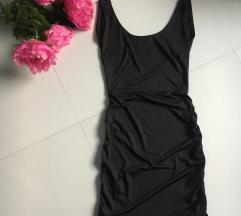 Crna haljina sa otvorenim ledjima