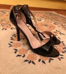 elegantne crne lakovane sandale