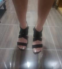 Crne sandale-RASPRODAJA