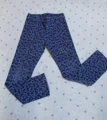 H&M pantalone vel.5-6 god
