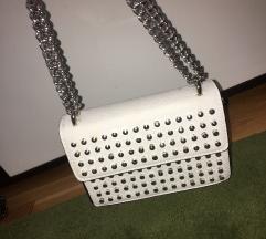 Bela torbica sa nitnama