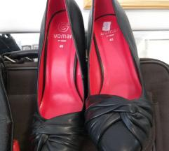 Crne zenske cipele