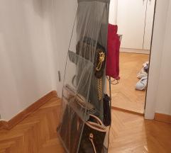 Vešalica za odlaganje torbi