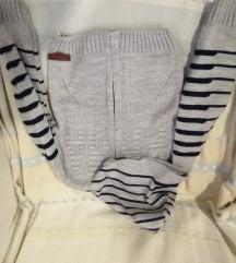 Džemper sa kapuljačom 2-3 god