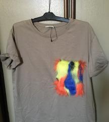 Zara majica cupavi detalj 💚 SADA 500