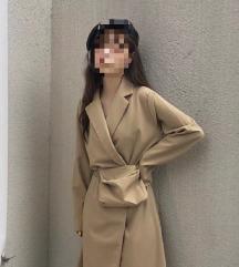 Vintage duga krem haljina i pederuša