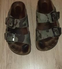 Grubin papuce military