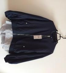 Zara nova zenska jakna velicina XL