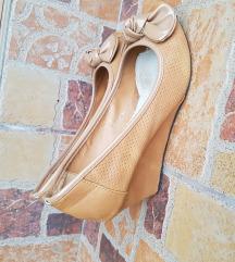 Krem cipelice br 37