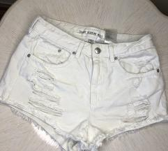 H&M beli letnji šorts