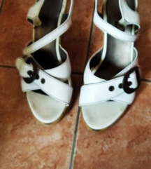 Kožne Tamaris sandale, vel. 38