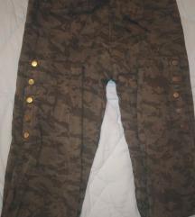 Zara maskirne zelene pantalone M