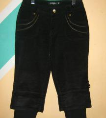 Crne somot pantalone bermude Nekorišćene