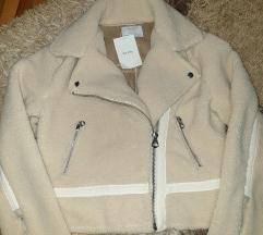 Nova Bershka jaknica
