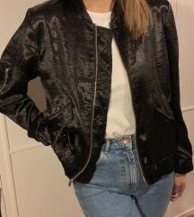 H&M crna bomber jaknica