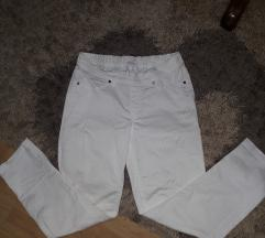 Bele pantalone uske