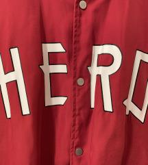 Crvena šuškava jakna