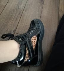 Cipelice sa punom petom