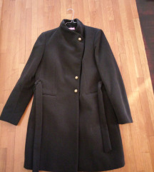 Crni vuneni kaput