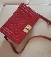 Nova efektna crvena torbica %