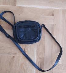 Muska kozna torbica