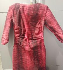Crvena haljina gola ledja