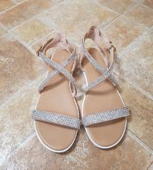 Zenske ravne sandale