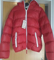 jakna crvena
